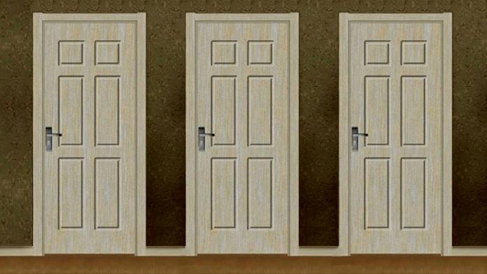 La stanza buia con le tre porte