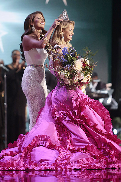 Crown on the head of Olivia Jordan wore Miss USA 2014 Nia Sanchez