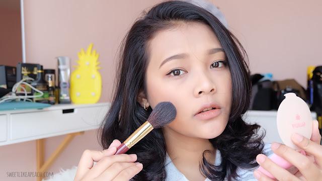 beauty hacks Pakai Bedak Sebelum Foundation Bikin Makeup Tahan Lama tanpa primer