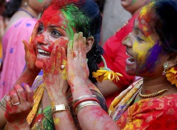 Holi 2018 wishes Bengal