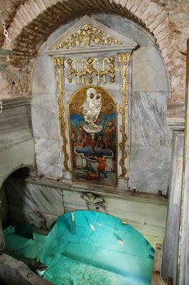 Το Αγίασμα βρίσκεται στον υπόγειο Ναό   και αποτελείται από μαρμαρόκτιστη πηγή.