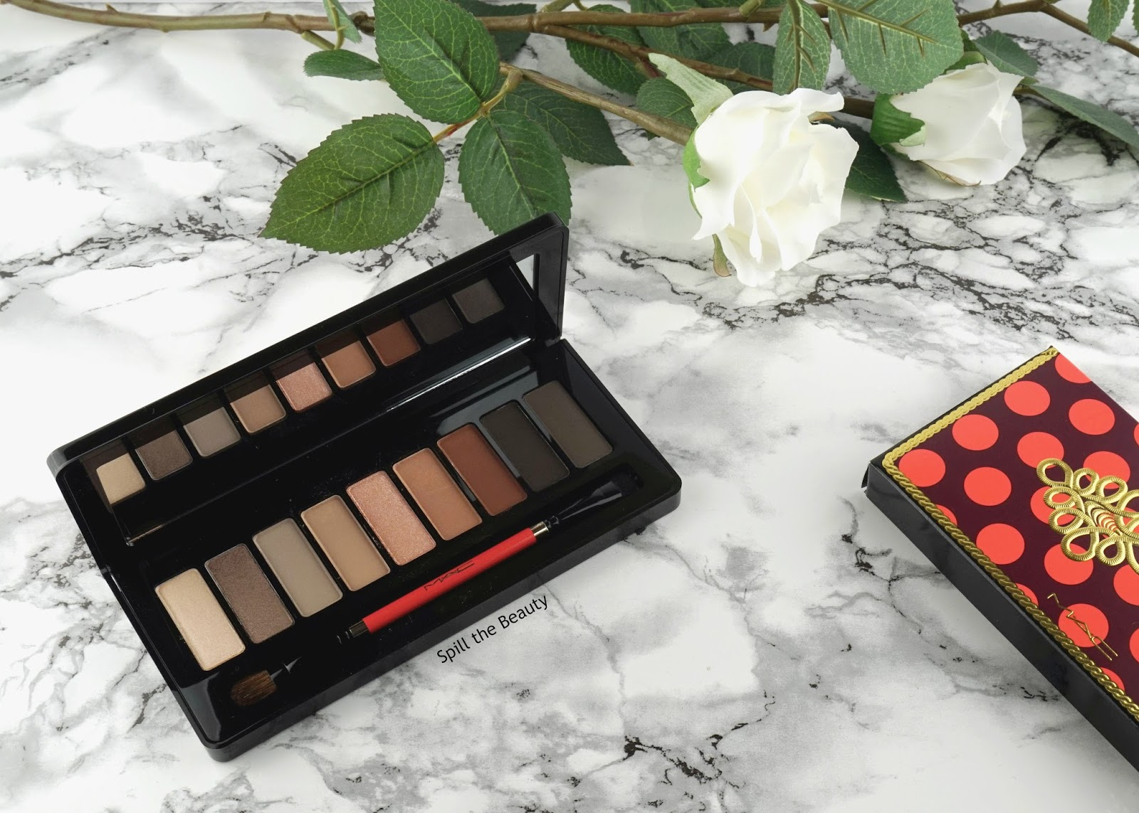 MAC Nutcracker Sweet Smoky Eye Compact Eye Shadow x 9 – Review, Swatches, and Look