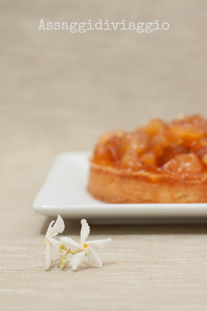 crostata di crema frangipane con confettura di mele annurche e limoni