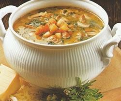 Daržovių sriuba su grybais ir rūkyta mėsa