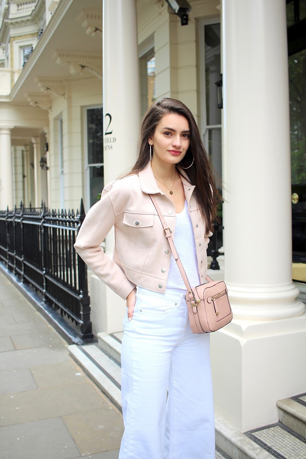 peexo street style blogger light spring wardrobe