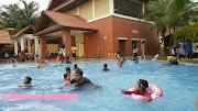 Beriadah Hari Minggu Sekeluarga di Kolam Renang Pusat Kejiranan Presint 11, Putrajaya