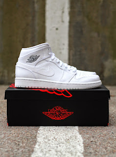 http://www.footish.se/sneakers/nike-air-jordan-1-mid--2