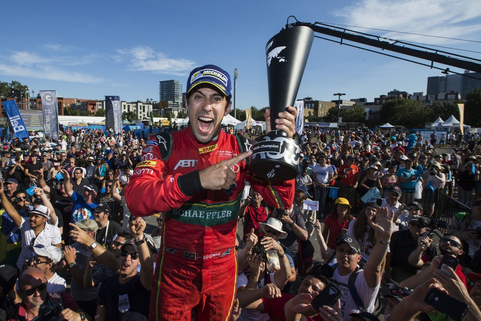 lucas  grassi claims formula  championship carscoops