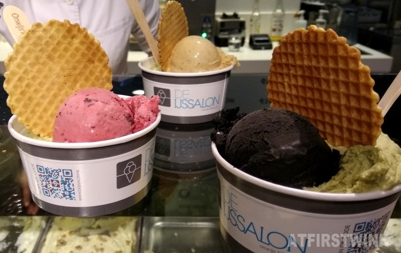 Black Valrhona chocolate sorbet green tea matcha blueberry cappuchino ice cream De IJssalon Rotterdam