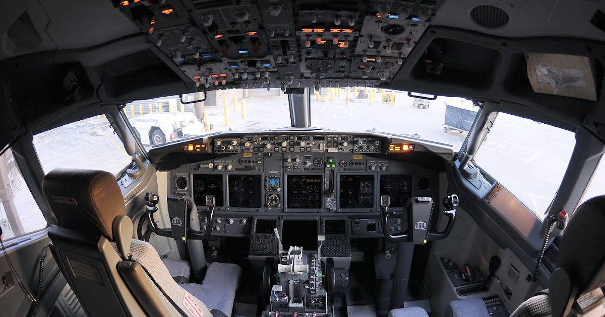 A380 Wallpaper Hd Cockpit Of Boeing 737 900 Aircraft Wallpaper 3311