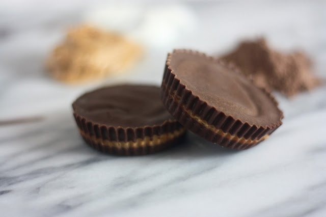 shakeology recipes, protein powder reese's peanut butter cups, healthy recipe, fitbit flex 2 giveaway, peanut butter and chocolate recipes, 3 ingredient chocolate protein powder peanut butter cups, natalie in the city, natalie craig, chicago blogger, midwest blogger, halloween candy recipes, halloween snacks
