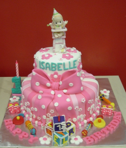 Precious Moments Baby Shower Cakes: Yochana's Cake Delight! : Isabelle Turns 1