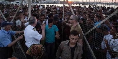 4.400.000, αλλοδαποί, πρόσφυγες, μετανάστες, νόμιμοι ή παράνομοι, βρίσκονται σήμερα στην Ελλάδα. Τι κάνετε;