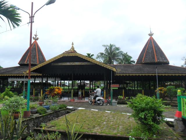 wisata kalimantan selatan makam sultan suriansyah