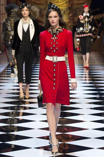 Los 15 Mejores Vestidos de la Colección de Invierno 2016 , 2017 de Dolce  Gabbana