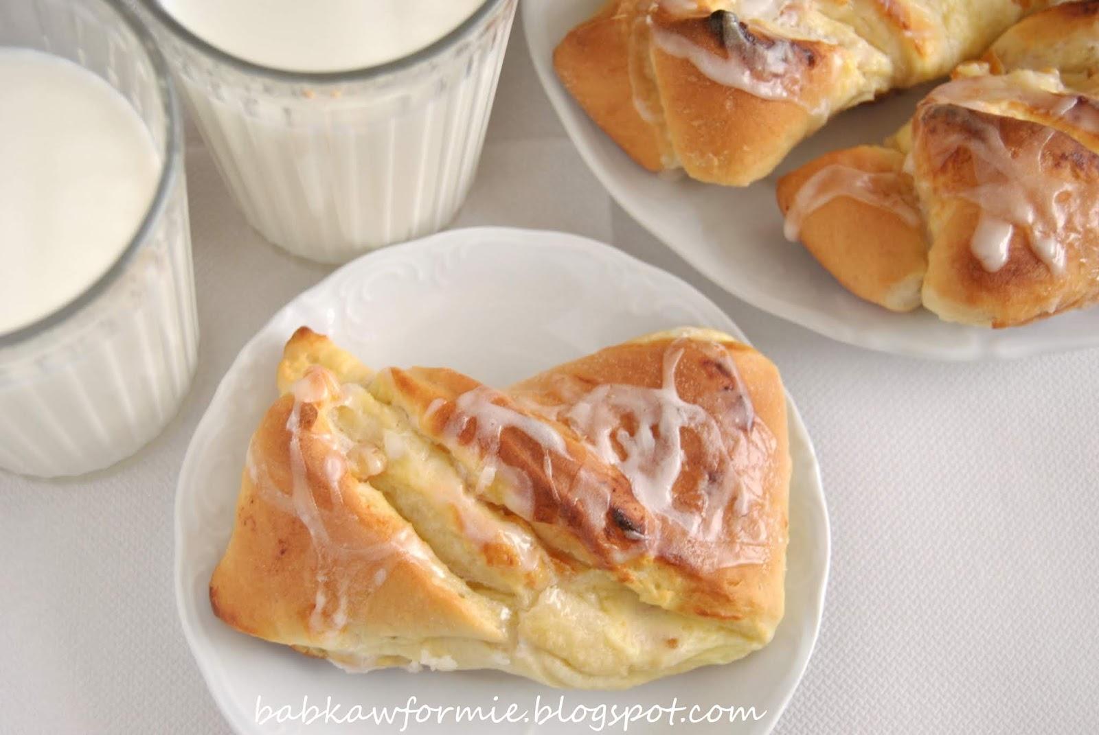 drożdżówki zawijane z serem babkawformie.blogspot.com