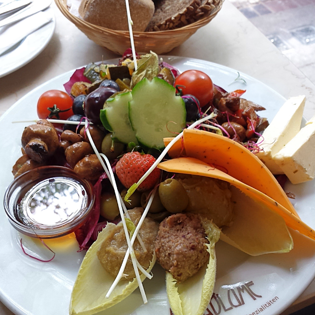 Vegan breakfast plate at Cafe Anna Blume in Berlin