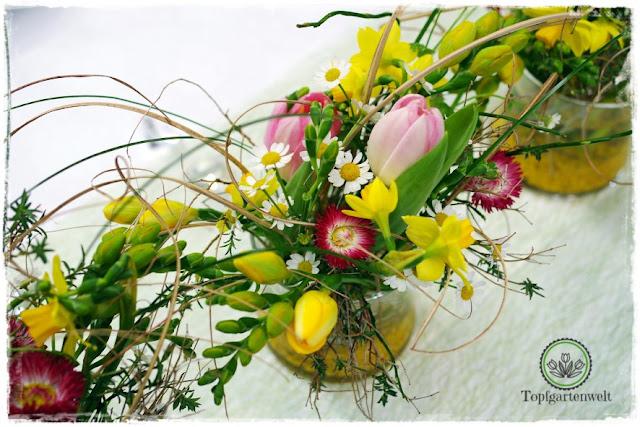 Gartenblog Topfgartenwelt Gartenmesse: Garten Salzburg 2017 Hochzeitsfloristik mit gelben Tulpen und Bellis