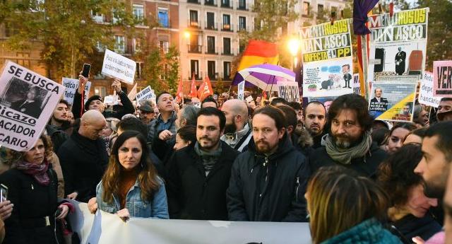 Cientos de personas se concentran frente al Supremo contra el fallo sobre hipotecas