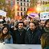 """Cientos de personas se concentran frente al Supremo contra el fallo sobre hipotecas: """"Dictaduras de los bancos no"""""""