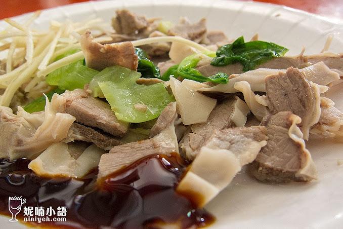 【台東美食】侯卑南豬血湯。這碗湯真是極品來著!