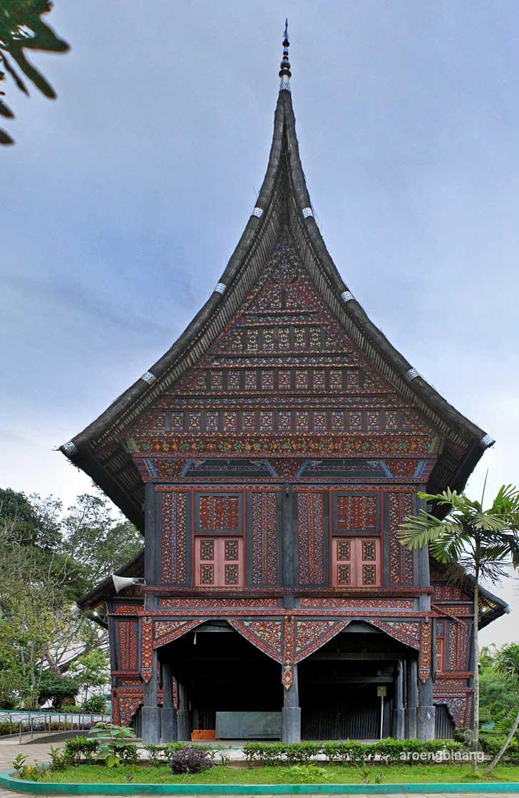 taman margasatwa dan budaya kinantan bukittinggi