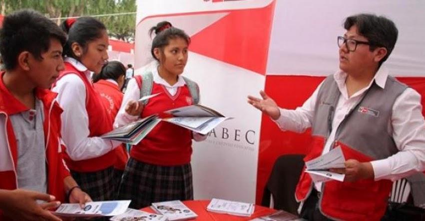 PRONABEC participa en feria vocacional en la provincia de Ilo - www.pronabec.gob.pe