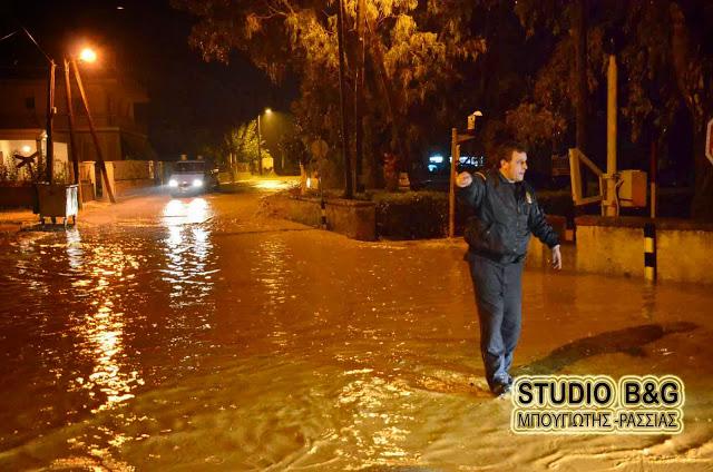 Μεγάλη βροχόπτωση στο Άργος - Προβλήματα στην κυκλοφορία
