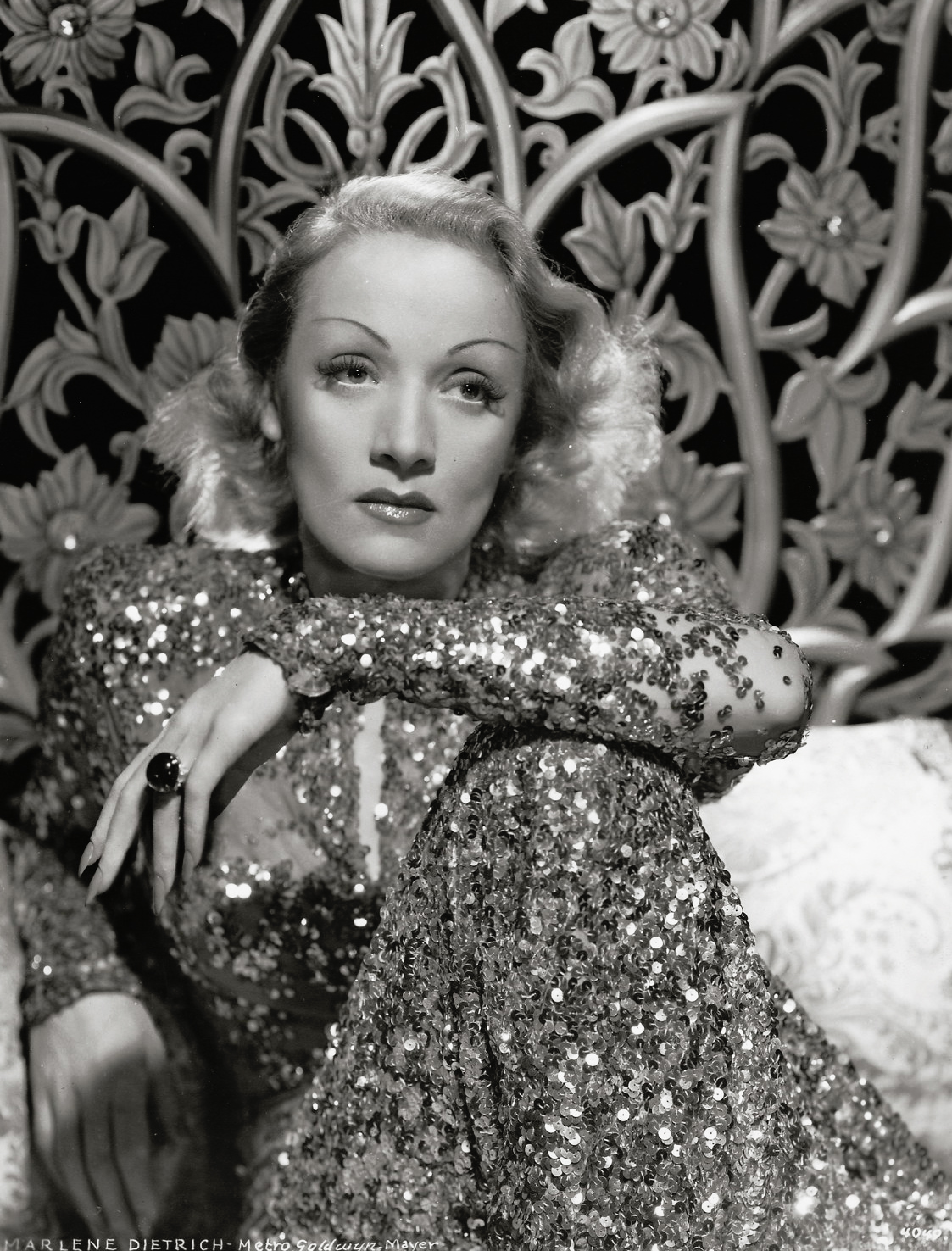 Marlene Dietrich Annex2: It's The Pictures That Got Small ...: THE SATURDAY GLAMOUR 15