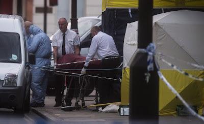 bűncselekmény, késelés Londonban, London, Nagy-Britannia, Russell Square