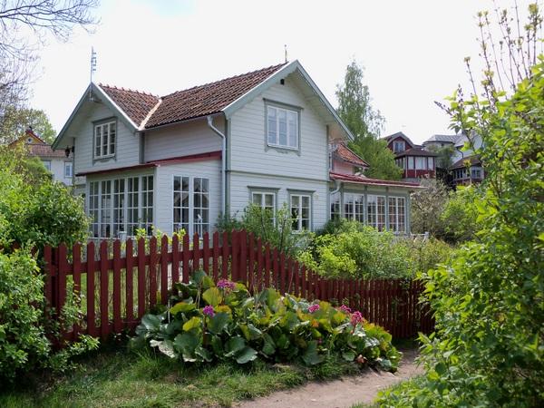 Hej tjorven binnenkijken in een zweeds huis - Interieur eigentijds houten huis ...