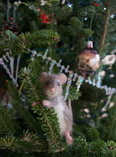 Mouse in Christmas Tree