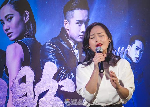 中文爵士女歌手何芸妮,现场演绎片尾曲《迷心》