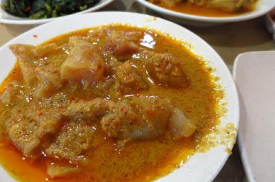 Minang House Traditional Nasi Padang, curry beef tendon