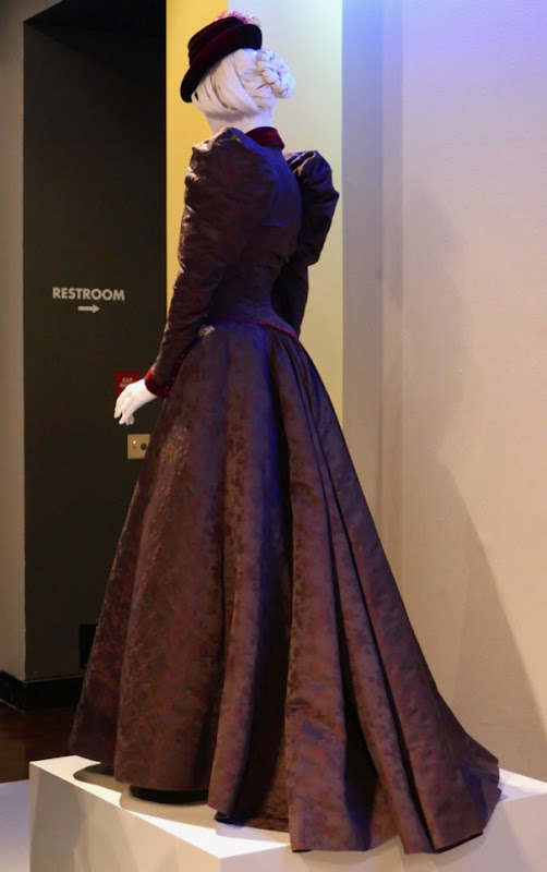 Alienist Sara Howard costume back