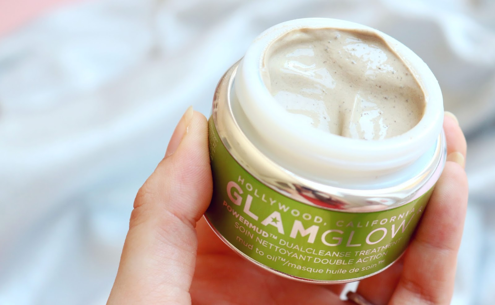 A blog post reviewing the Glamglow PowerMud Dualcleanse Treatment.