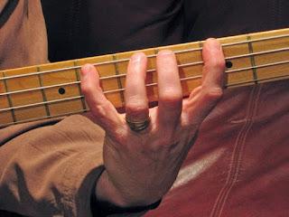 teknik mempercepat fingering gitar