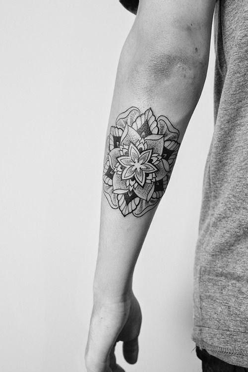 15 stunning mandala tattoo designs for men and women. Black Bedroom Furniture Sets. Home Design Ideas