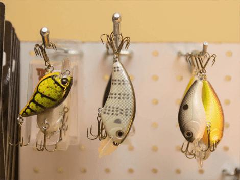 احصل على ادوات وخيوط صيد السمك تصلك مجانا الى باب منزلك