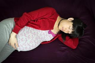 Kedudukan Tidur Ibu Hamil Yang Baik dan Betul