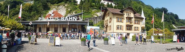 Trem de cremalheira, Monte Pilatus, Alpnachstad, Suíça