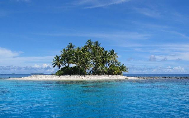 Onbewoond eiland omringd door water