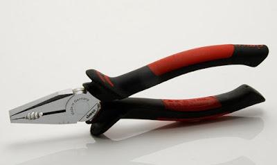 Peralatan Mekanik Dalam Pekerjaan Kelistrikan