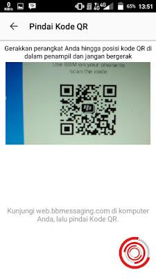 Lalu scan kode QR di web BBM Desktop dengan kamera di menu BBM Desktop yang telah kalian buka tadi