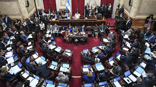 El oficialismo no tiene los números suficientes para aprobar su propia iniciativa. El presidente Mauricio Macri vetará la ley, en caso de sancionarse.