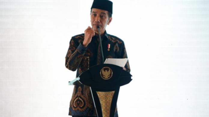 Jokowi Bagikan Ribuan Sertifikat Tanah ke Warga Ibu Kota