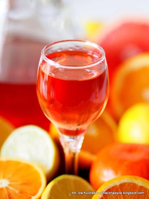 nalewka z cytrusow, owoce poludniowe, owoce cytrusowe, cytrusy, nalewki domowe, przetwory, sok owocowy, alkohol, wyroby domowe, likier owocowy