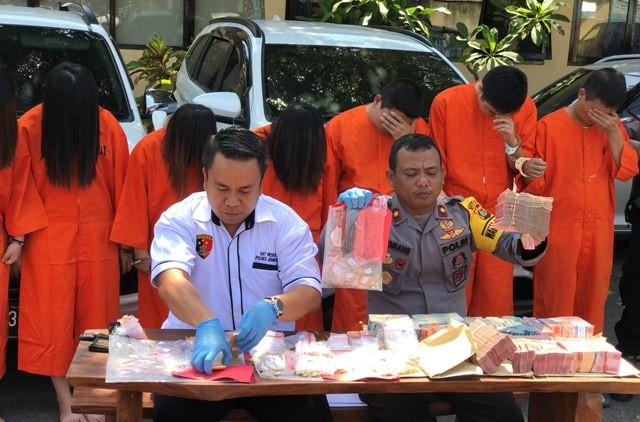 Polisi Temukan Rp 4 M dari Komplotan Gendam China, Ini Modusnya