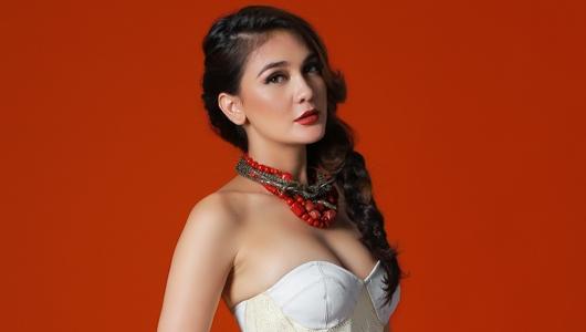 Ungkapkan 'Aku Kuat', Luna Maya Ditegarkan Rossa dan Netizen
