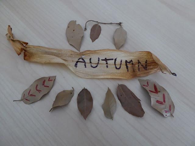 foglie secche in autunno